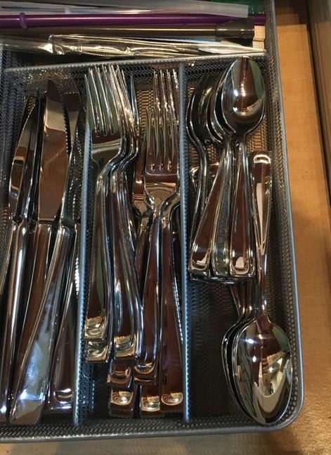 cutlery drawer organize